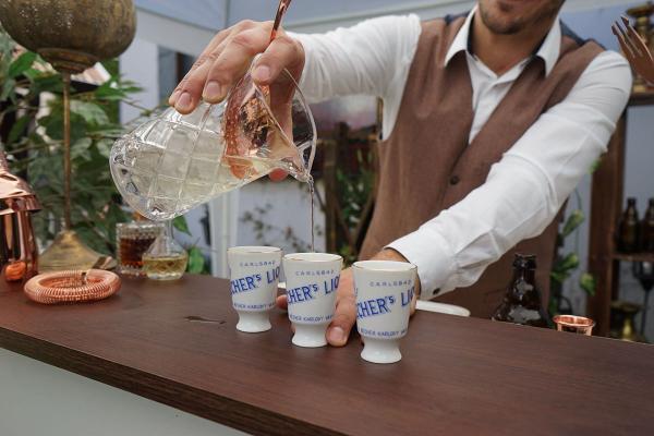 Profesionálny barman pre vás - kdekoľvek, kedykoľvek !