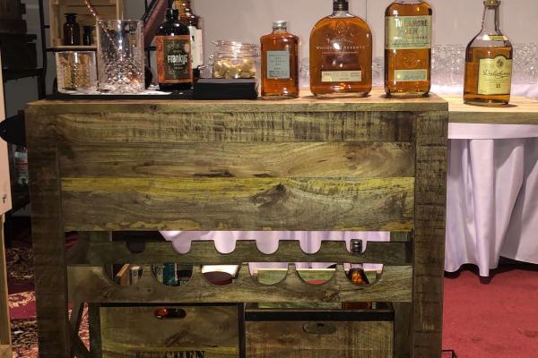 degustácia whisky komoda