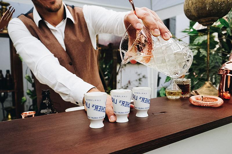 Apothéka mobilný vintage bar na eventy - proesionálny bar catering