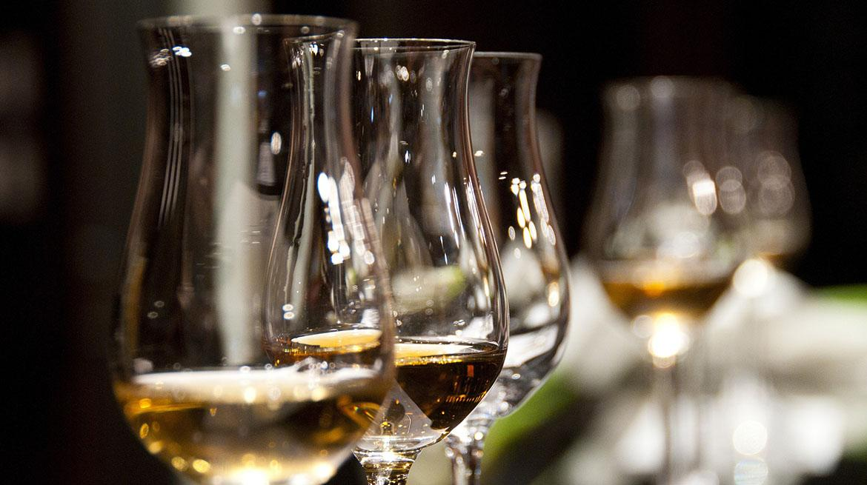 ochutnávka rumu a whiskey